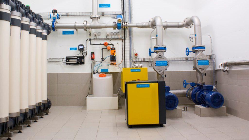 İçme Suyu Arıtma Tesisi Otomasyonu 1 Natura Otomasyon ülkemizde yapımları hızla artan içmesuyu arıtma tesisleri için etkin, dayanıklı,kullanıcı dostu ve enerji verimliliği odaklı çözümler üretmektedir.